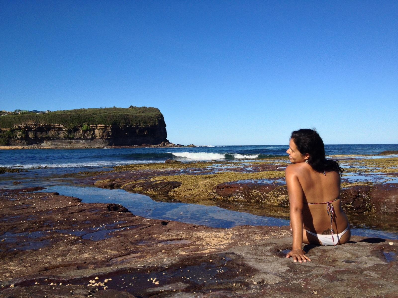 cliffs em Mona Vale Beach, próximo de Sydney