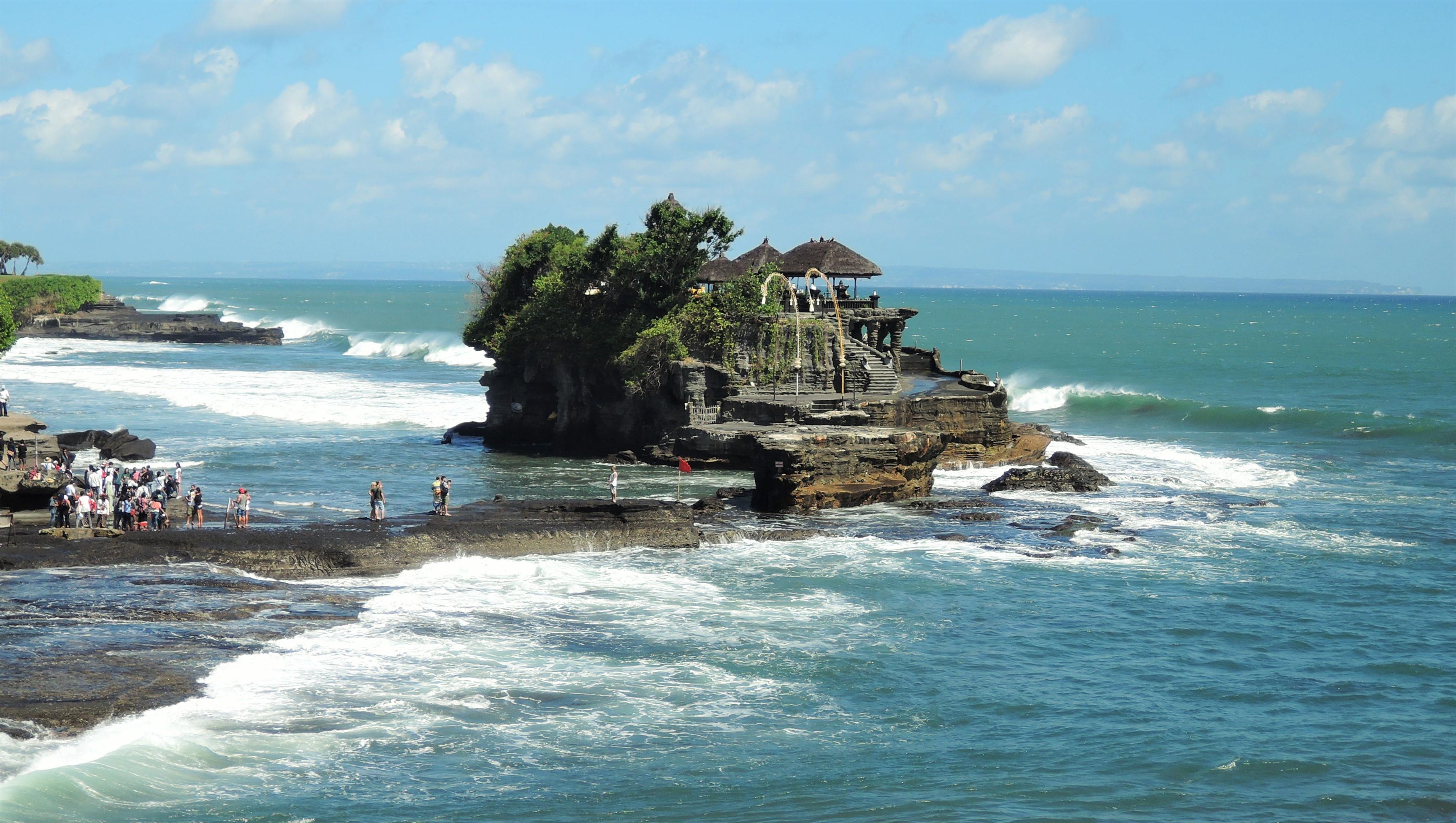 Templos na costa de Bali, Tanah Lot